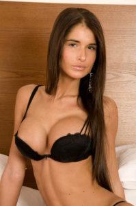 femme hispanique caliente au sex par tel
